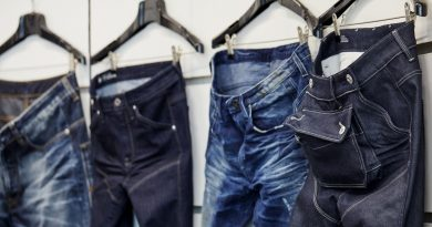 Les jeans en plastique de Pharrell Williams