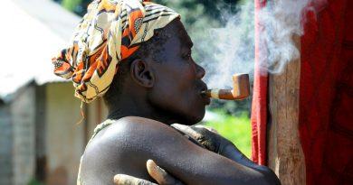 Intimidation, lobbying agressif : l'industrie du tabac s'attaque à l'Afrique